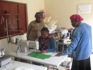 Lomtfombi women sewing project